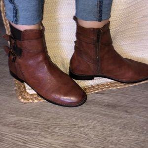 FRYE Ankles boots
